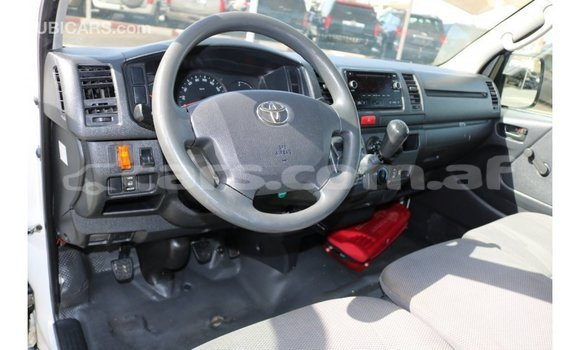 Buy Import Toyota Hiace White Car in Import - Dubai in Badakhshan
